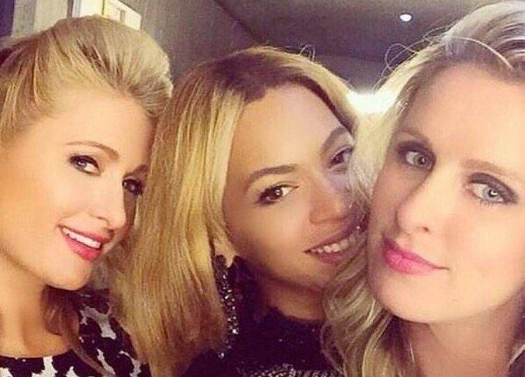 3 very rich , Caucasian women. ❤️ https://t.co/ZPAKlB429V