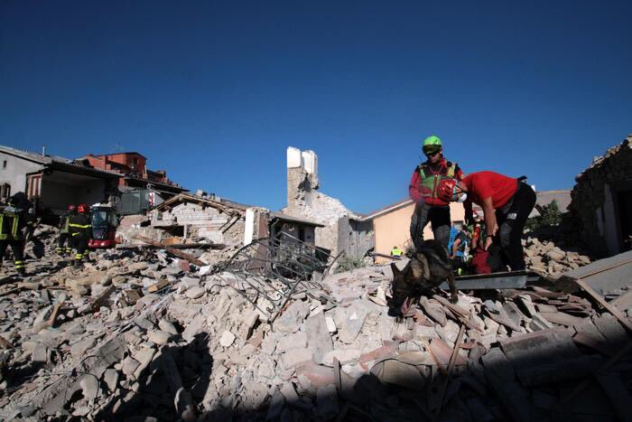 Terremoto Italia: gli aiuti dei migranti africani musulmani