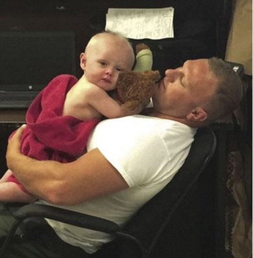 West Virginia state troopers give bath to baby found covered in vomit during DUI arrest