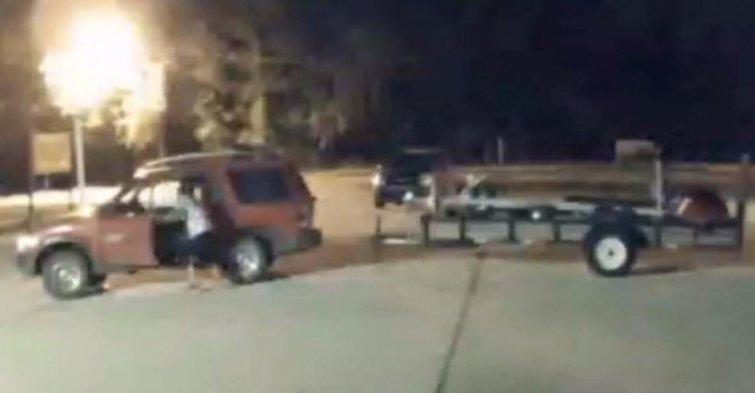 Stolen equipment returned after business owner investigates (@WJXTNicole) -