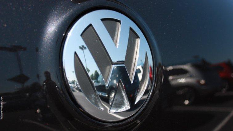 Volkswagen agrees to compensate US dealers over emissions scandal -
