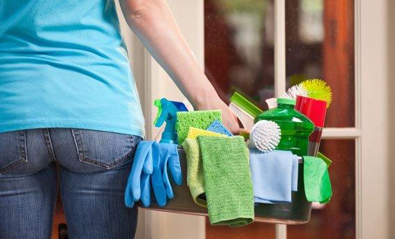 Lavori domestici, uomini sempre più casalinghi