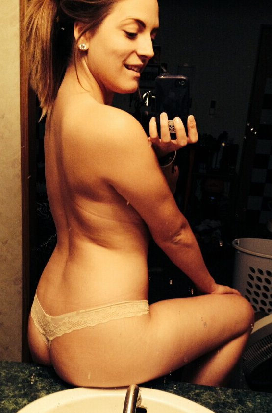 Nude Selfie 8005