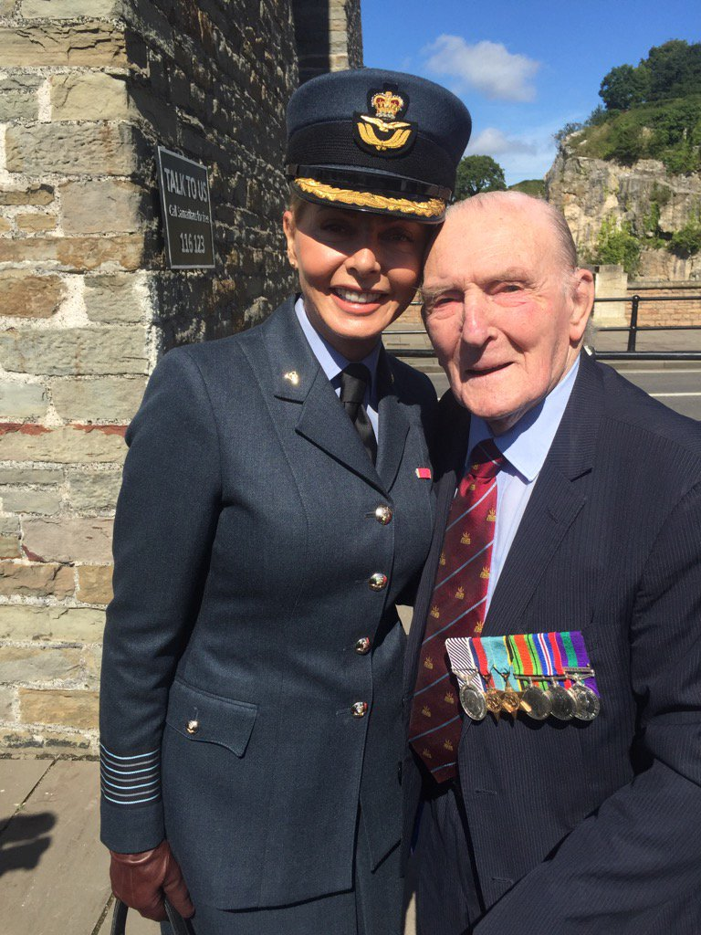 We had a lovely lunch #JohnnyJohnson @aircadets https://t.co/8e2xaqs7oq