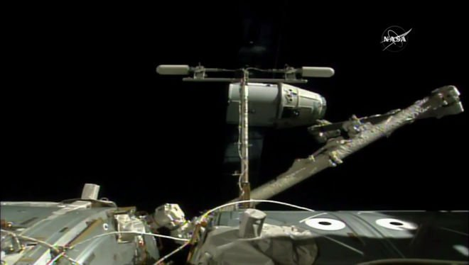 @SpaceX #Dragon Departs @Space_Station with Mice, Other Experiments https://t.co/jWD0jfZAjm