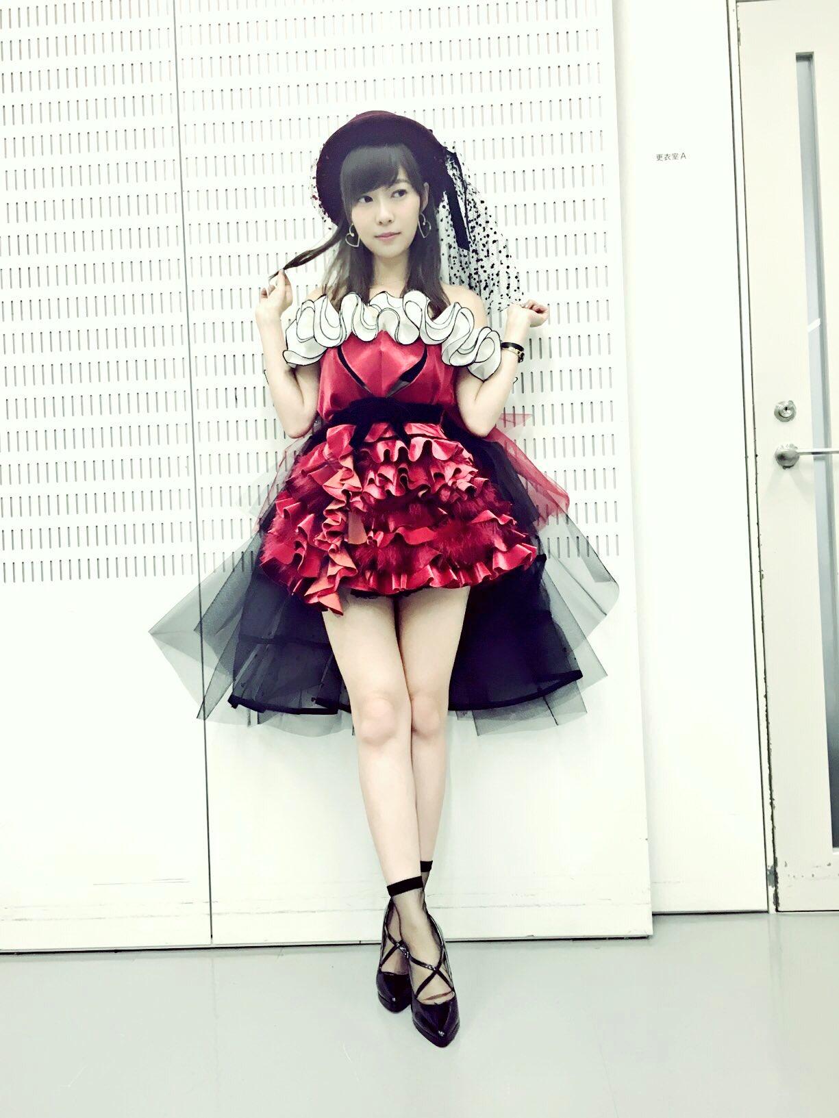 """女性アイドル衣装画像 on Twitter: """"LOVE TRIP(AKB48) Mステ披露新衣装…"""