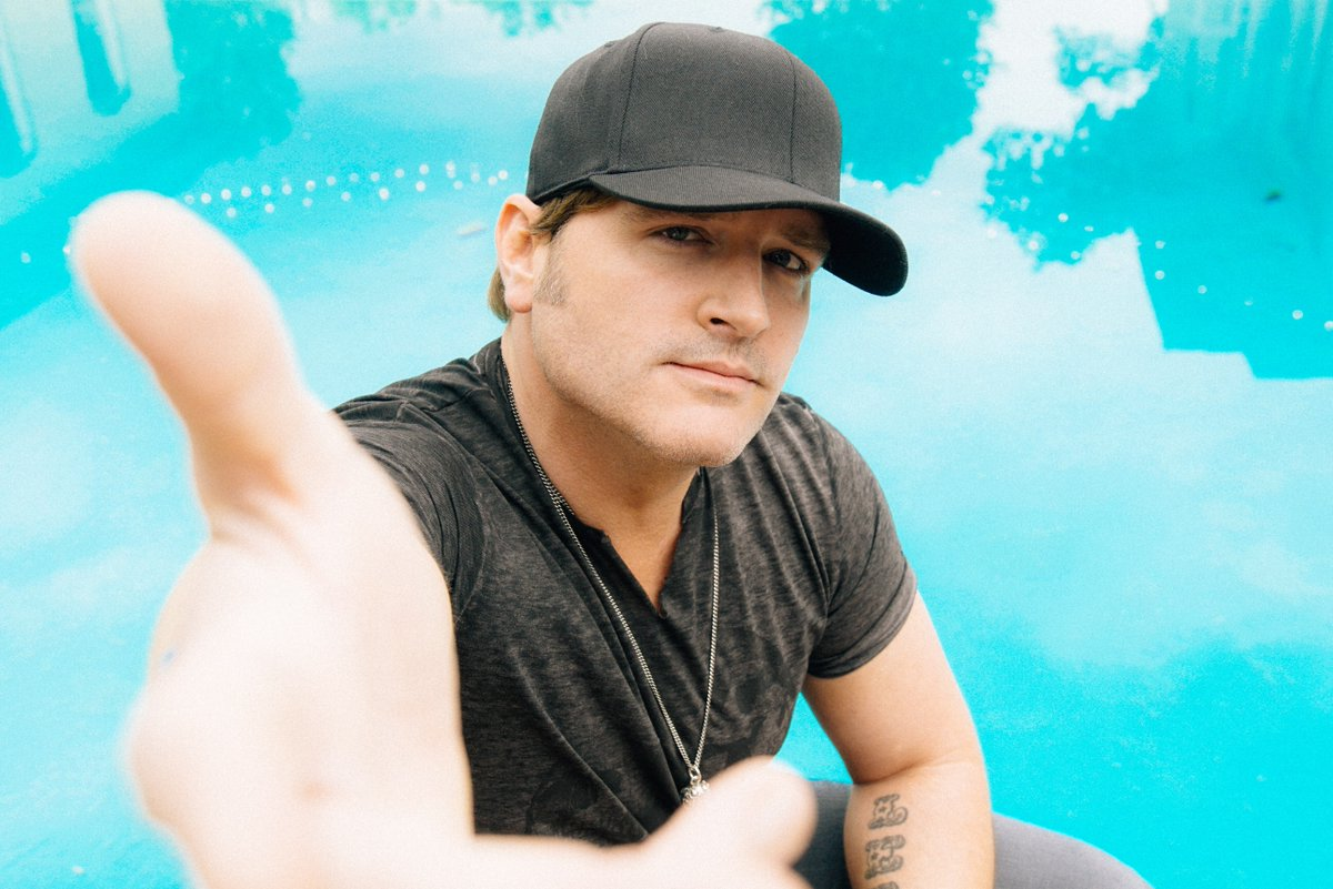 Don't miss the FREE concerts at the @Dillards Main Stage Saturday night, 9/17 – @CJSolar and headliner @jrodfromoz! https://t.co/W6gF2jpm3A