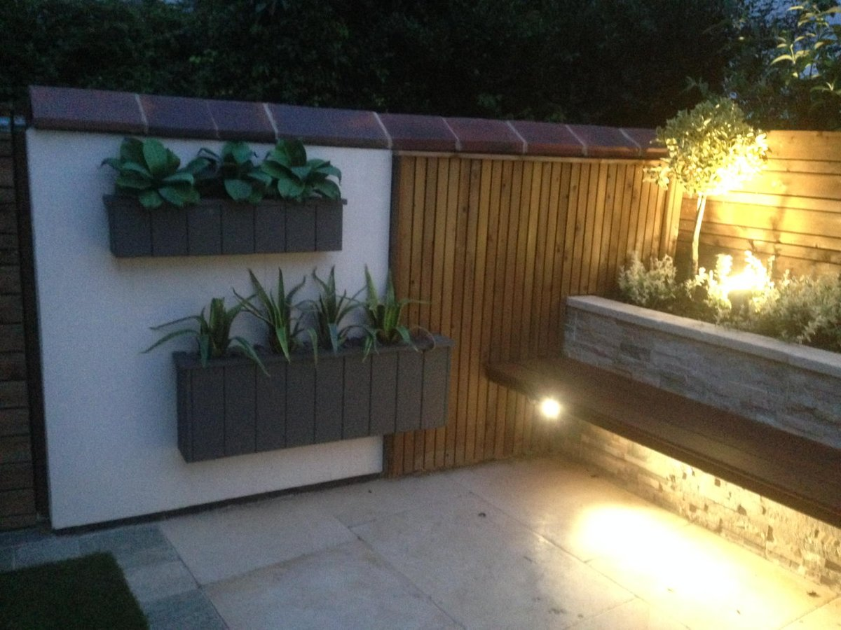 #bespoke Planters@gardens By Design Looking Good As The Sun Goes  Downpic.twitter.com/VfHPEt4Lu9