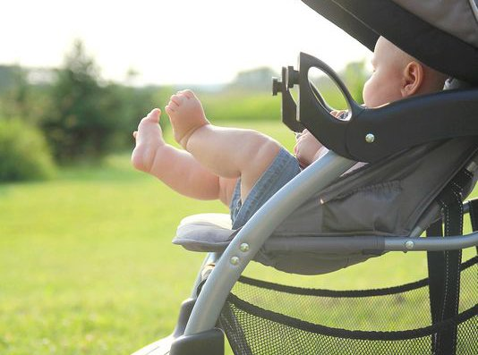 Study: Baby strollers, carriers injure 17,000 children