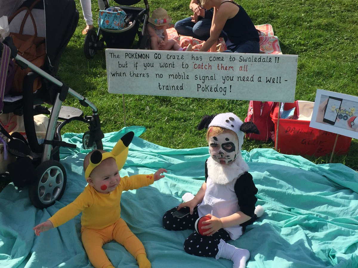 Great time at #mukershow including protests against poor mobile signal in the fancy dress comp! <br>http://pic.twitter.com/XKZIZ6yj2S