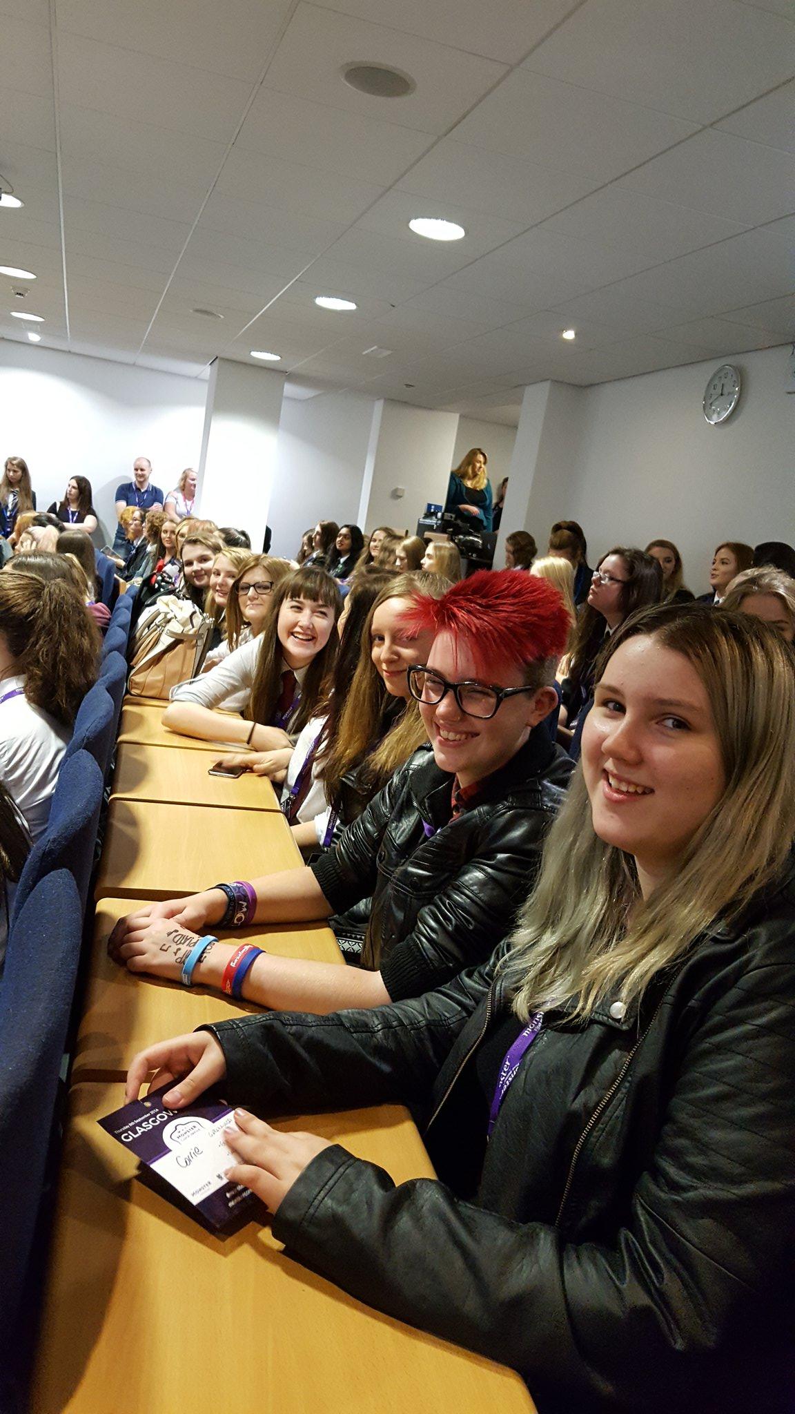 @Greenwood_Acad pupils having a great time at Glasgow University #monsterconfidence #WomenInSTEM https://t.co/PRronrhlpJ