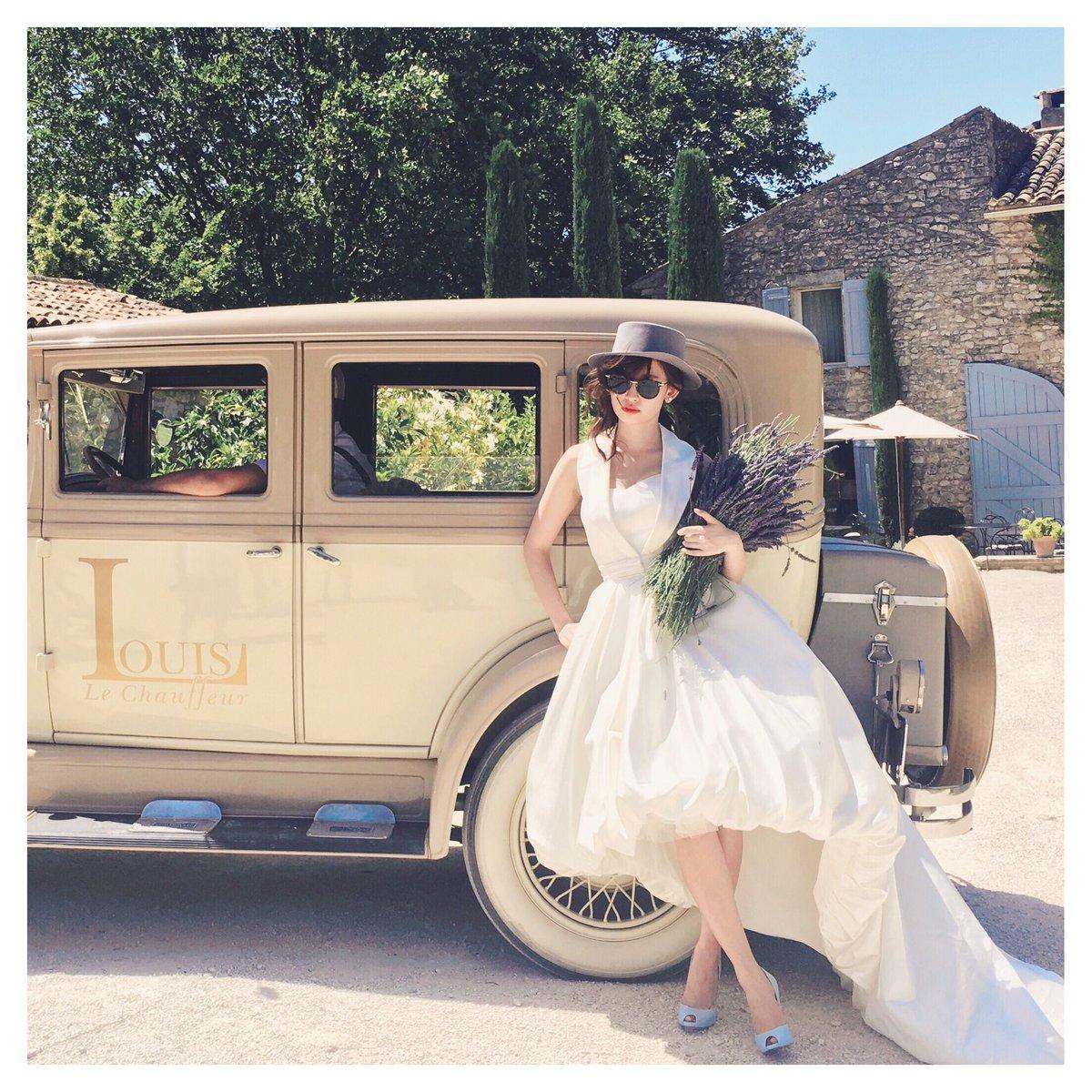 白いドレスの小嶋陽菜