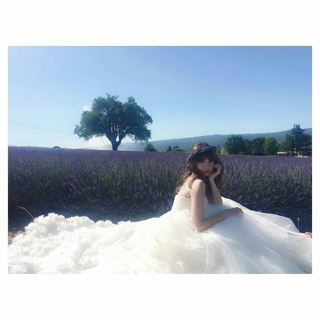 緊縛ウェディング1 小嶋さんがウェディングドレスのプロデュース&デザインしてるって情報入った時点で将来の目標1つ決まったよね♪(・v・)ノ#foursis  #小嶋陽菜pic.twitter.com/ ...