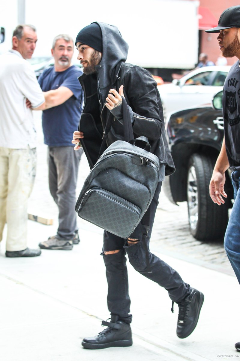 6ecd9797f Zayn spotted in NYC wearing a  gucci GG Supreme backpack and  Nike Air  Force 1 Mid 07 sneakers in black.pic.twitter.com rMgk9aSn3i