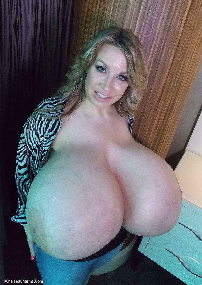 biggest-boobs-chelsea-charms-naked-nickelodeon-stars-wild-nude
