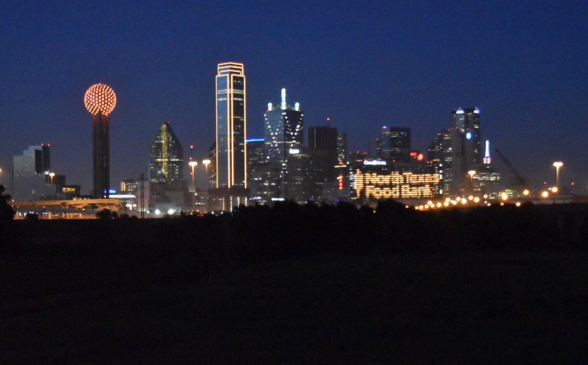 The Downtown Dallas skyline goes orange for Hunger Action Day!!! ❤️❤️❤️❤️❤️❤️❤️❤️❤️❤️ https://t.co/k4CnqnQUD7