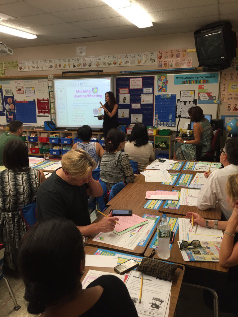 Thank you Seaman families for joining us - Meet the Teacher Night #seamanstrength https://t.co/roZVY91vEa