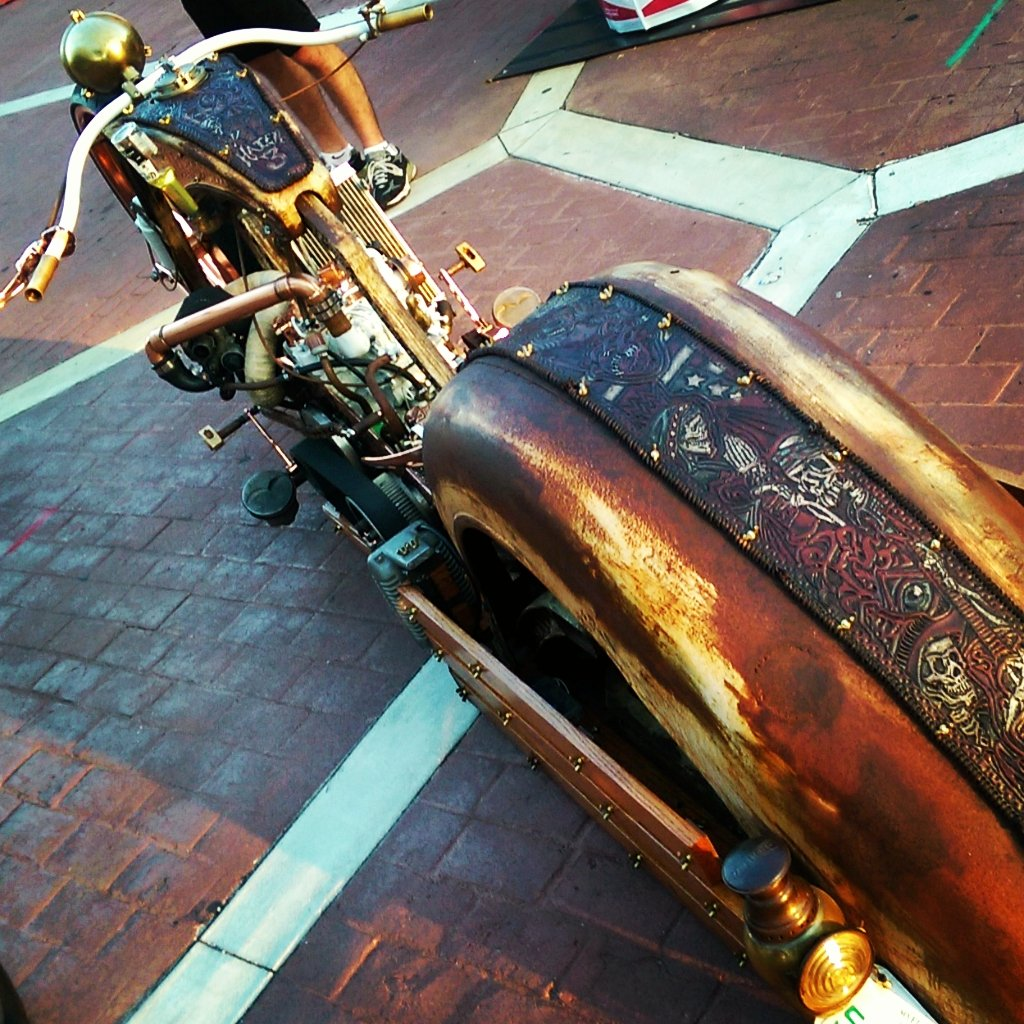 #Bike Awesome of the Day: #Steampunk Rusted Metal Ride at Old Town Bike Night via @VampireRoadtrip #SamaBikes