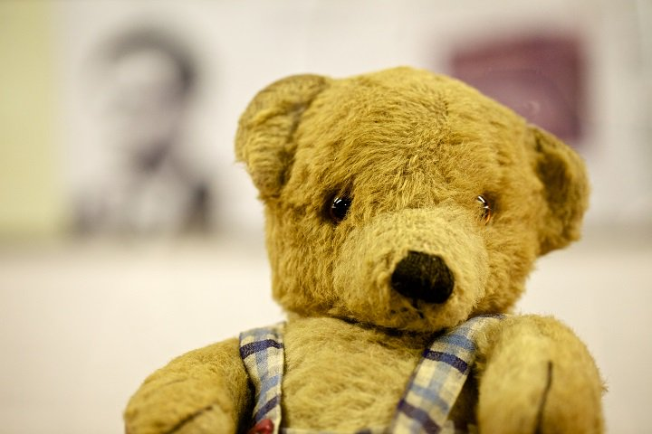 It's #NationalTeddyBearDay! This is Porgy, #AlanTuring 's bear, who is on display at #Bletchleypark. https://t.co/E2OKaNY99J