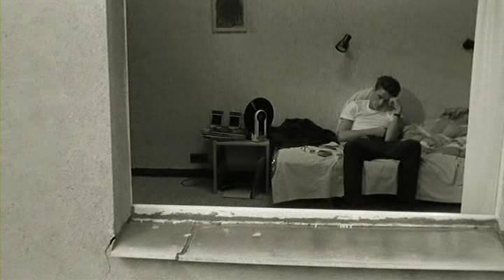 Yalnızlık; bedenin değil, ruhun kimsesiz kalmasıyla başlar. Montaigne