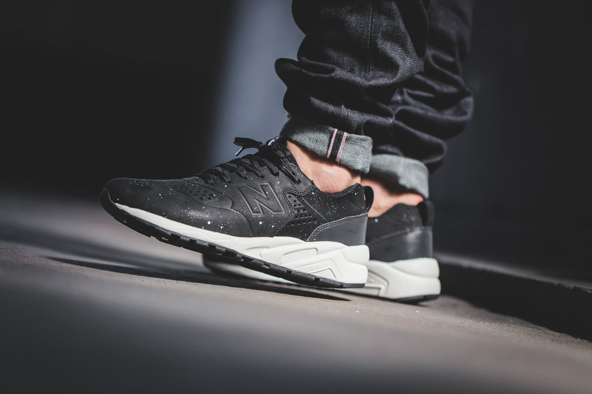 Top rated New Balance Sneakers · New Balance MRT 580 DH