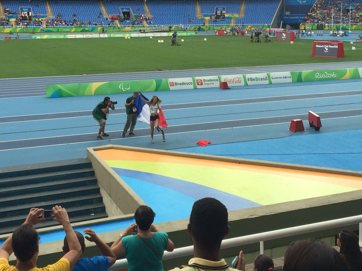 Marie refait son record du monde ! Championne en or !