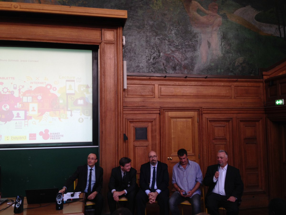 Les Hot Topics en marketing #digital une belle table ronde @lasorbonne @ESSCA_Ecole @jflemoine @ESSCA_IMD<br>http://pic.twitter.com/KLge8WfoLB