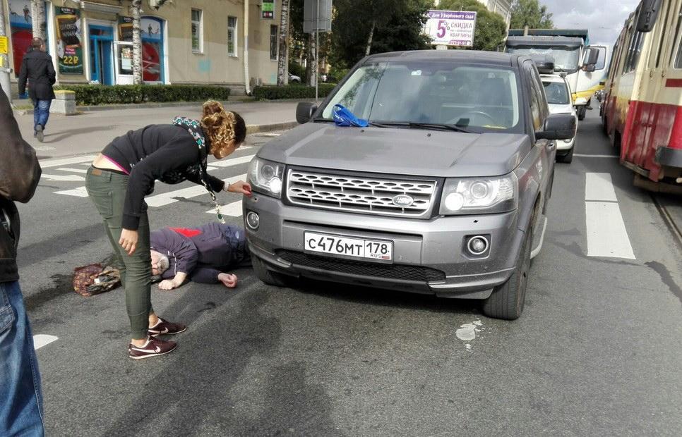 Военный бронетранспортер раздавил на дороге легковой автомобиль в Алтайском крае РФ - Цензор.НЕТ 2829