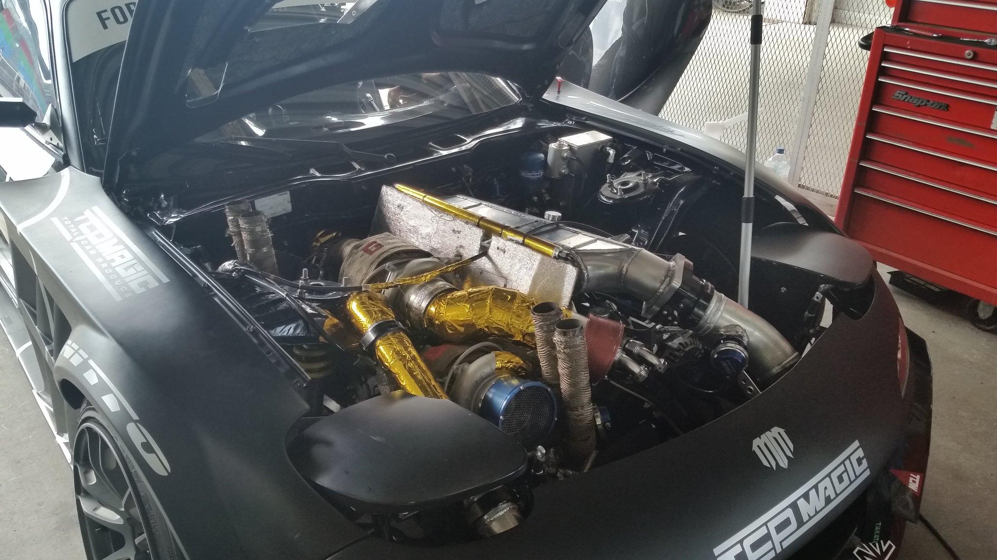 A #HUMBUL quad rotor, twin turbo, quad waste gate, gold engine #brapbrapbrap  #FDJapan #FormulaDrift #tokyodrift https://t.co/gsqM9FD4wS
