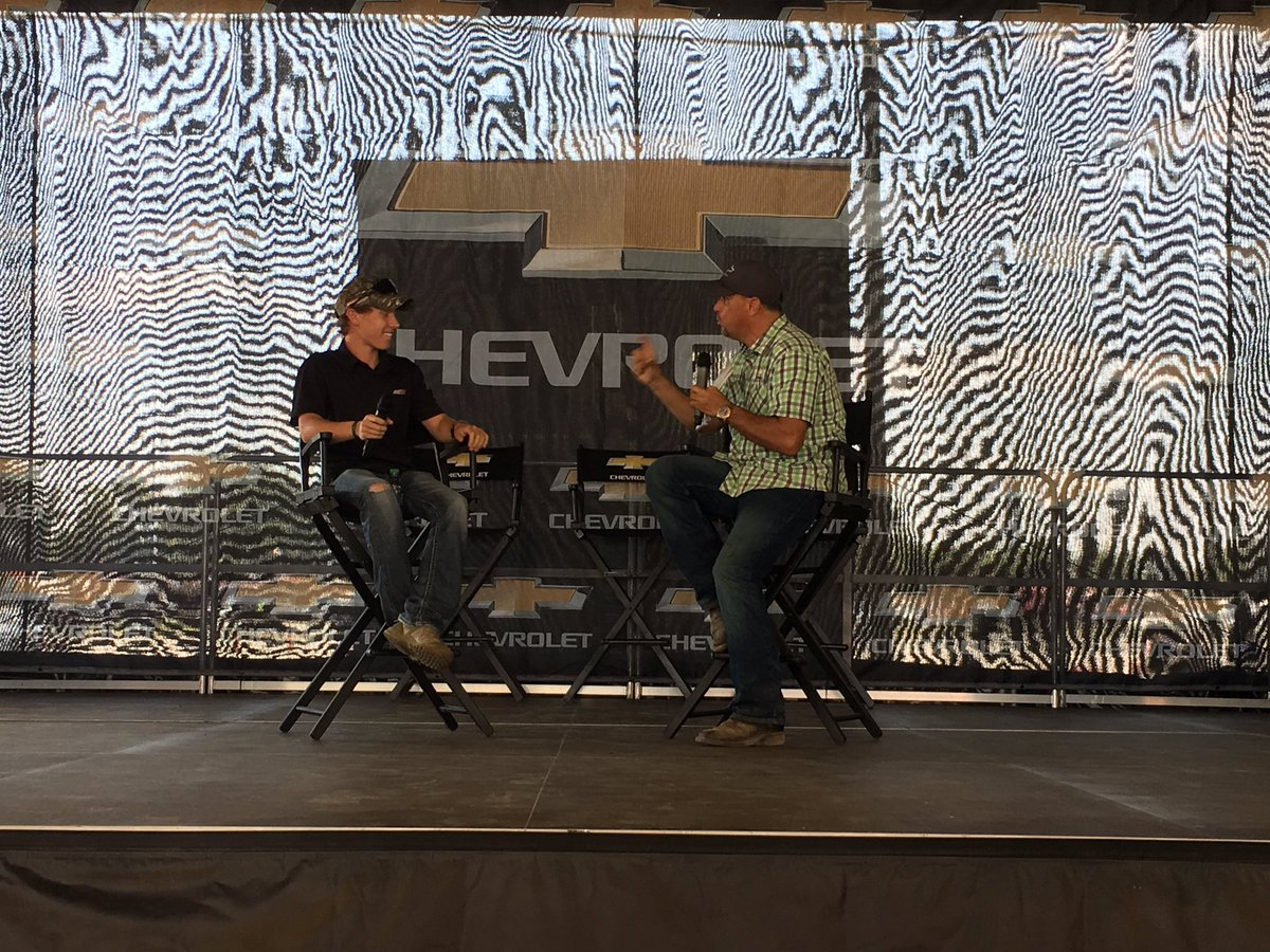 .@BrandonJonesRac chats with @MCJohnnyD4 at the @RIRInsider @TeamChevy Stage. https://t.co/3EYjaAwzGA