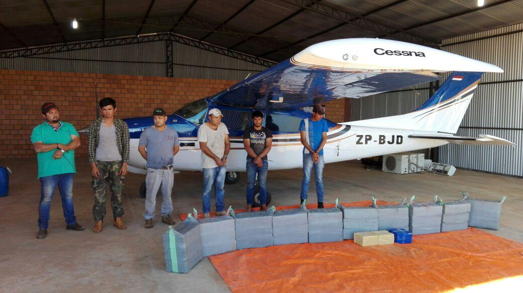 Incautan cocaína y una avioneta en Yasy Cañy