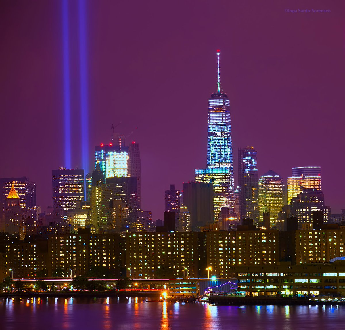 #TributeInLight test illuminates the sky near the World Trade Center tonight in NYC. #Sept11 #NeverForget<br>http://pic.twitter.com/N72oxkEhnH
