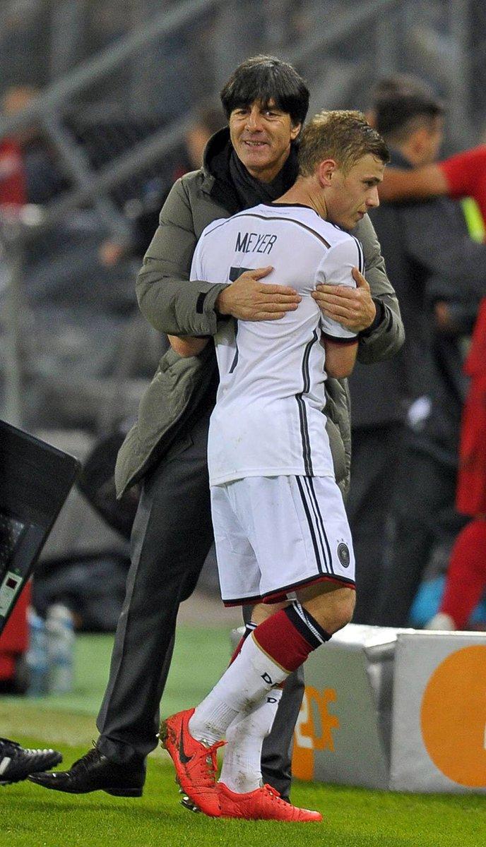 .@DFB_Team 監督 #レーヴ は、#オリンピック で銀メダル獲得に貢献したマックス・ #マイヤー に、水曜日に行われる代表戦で、出場機会を与える意向を示した。 #S04
