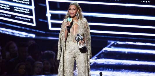 Beyonce performance highlights weak Video Music Awards, writes @grahamorama