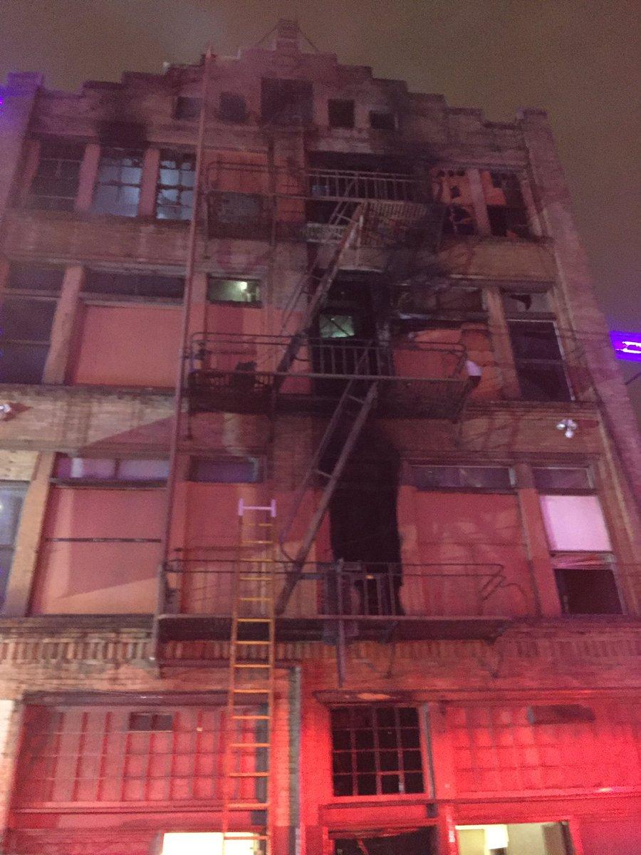 Breaking. Building fire near San Francisco chronicle. On minna. I'm live in a few mins @kron4news