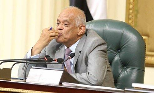 """بوسة رئيس مجلس النواب اللي بسببها منع المصورين من حضور جلسة مناقشة """"القيمة المضافة"""" https://t.co/83hm1I9uJ5"""