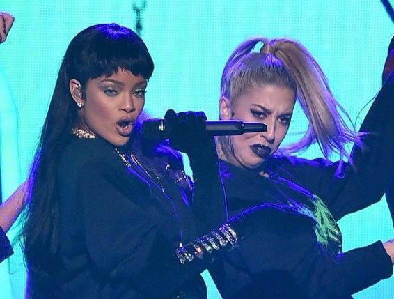 MTV Video Music Awards 2016 - Página 46 CrDKYLSWAAATW4j