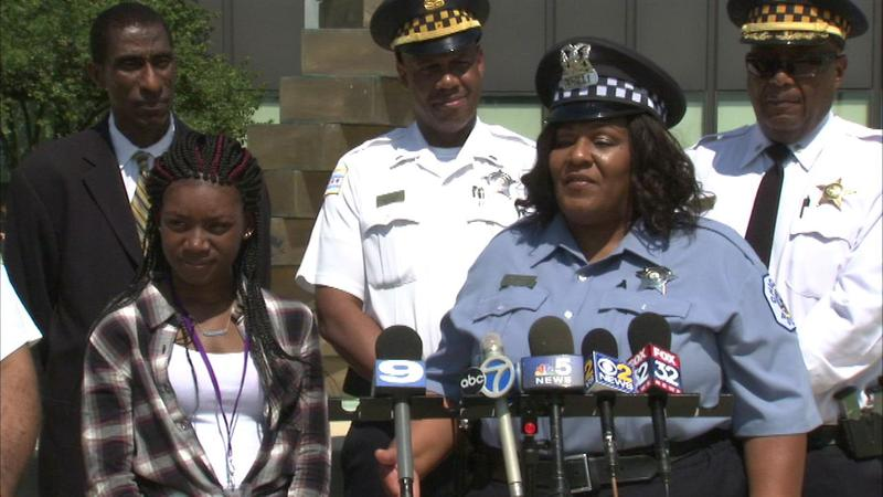 Young mother credits CPD officer with helping her start college