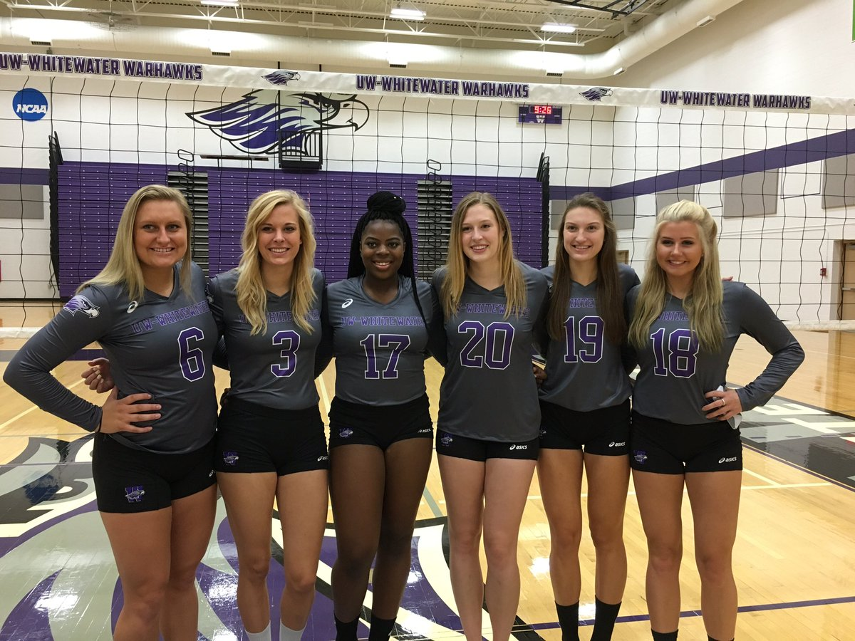 Warhawk Volleyball On Twitter Freshman Sophomores Juniors Seniors All Looking Lovely On Team Picture Day