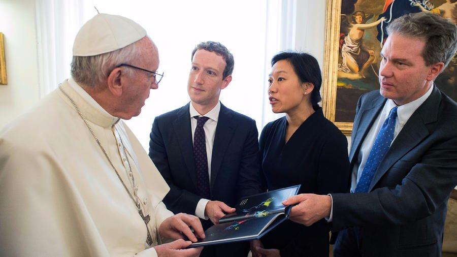 Mark Zuckerberg visits Pope Francis at home