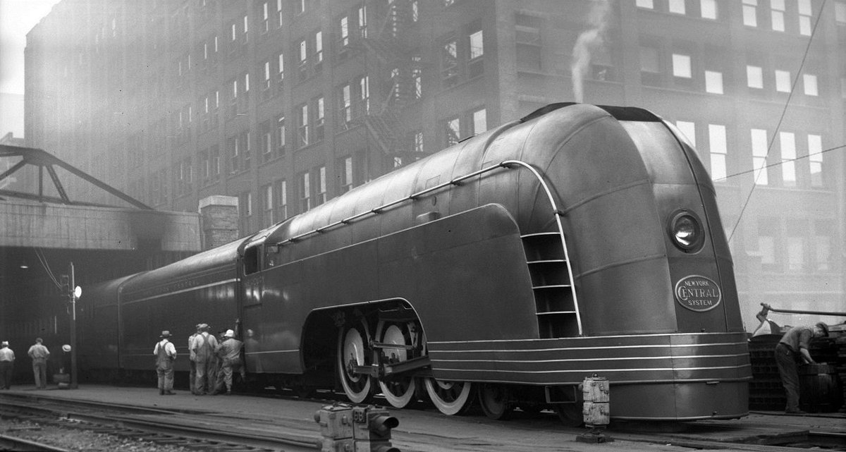 Mercury train in Chicago, 1936 - named after the Roman god and designed for speedy intercity midwest travel.