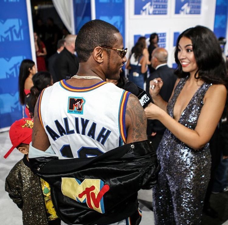 Fabolous wore a Rock N  Jock Bricklayers Aaliyah throwback jersey to the   VMAs and just like that - he s the GOAT. 59182abfd