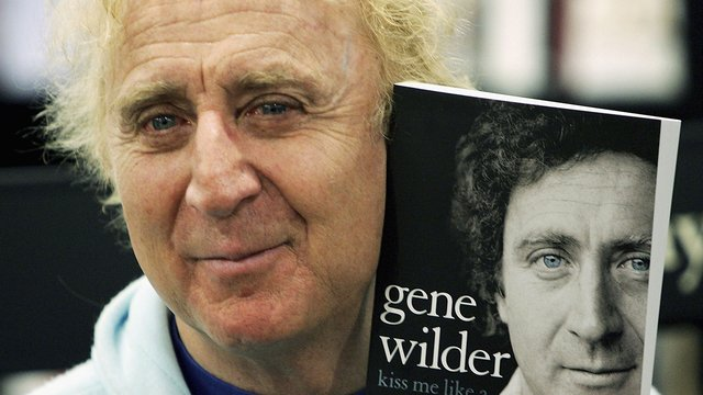 Gene Wilder chose to keep his Alzheimer's diagnosis secret for sake of others' happiness >>