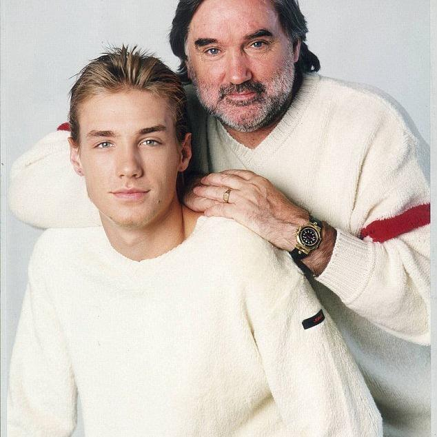 RT @SandybUK: #throwback @CalumBest with his late father George https://t.co/SuYrfnPuvW