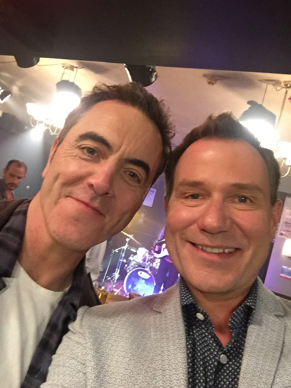 They're back! On set with the @itvcoldfeet cast @GMB at 650 & 750 https://t.co/6fnVTa9aBA
