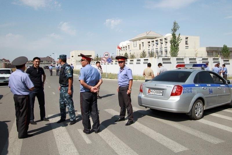 キルギスの中国大使館に自動車が突入し爆発、自爆テロか|ニューズウィーク日本版 https://t.co/zpb8vOR3NB #中国 #キルギス