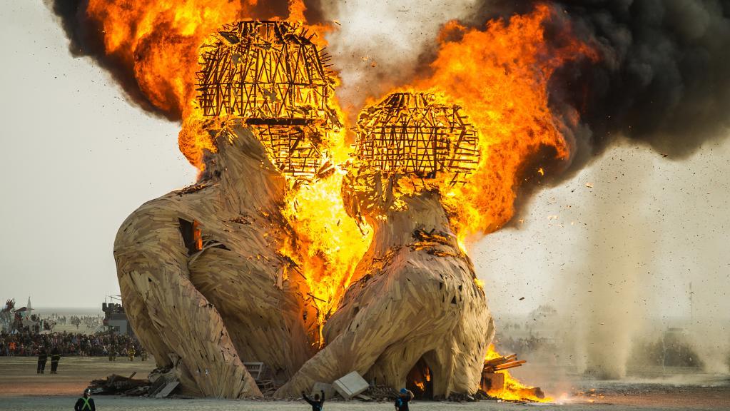 Burn man фестиваль