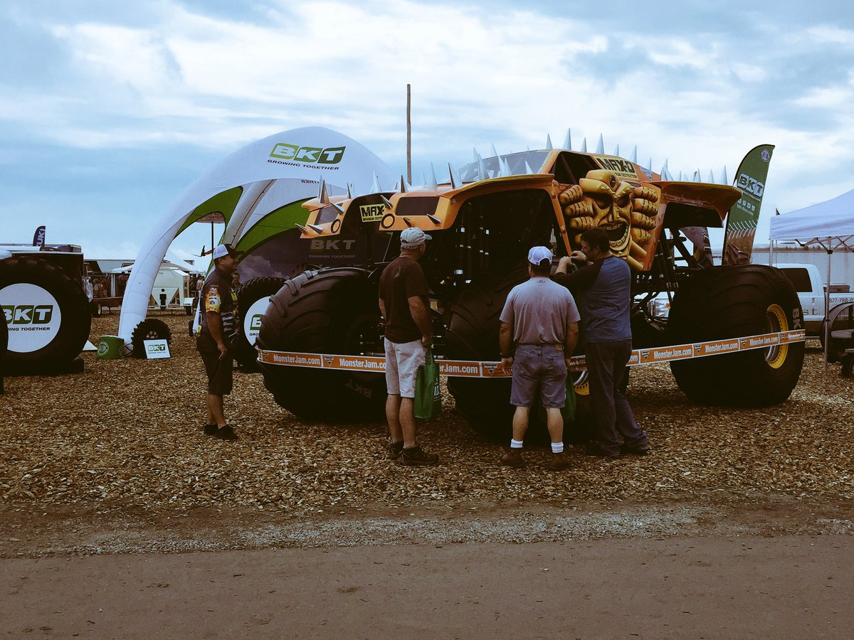 1st day of the @FPShow! Enter to win a BKT backpack and see @MonsterJam Max-D driver Jared Eichelberger! Booth #1248 https://t.co/AuUgn0HnlH