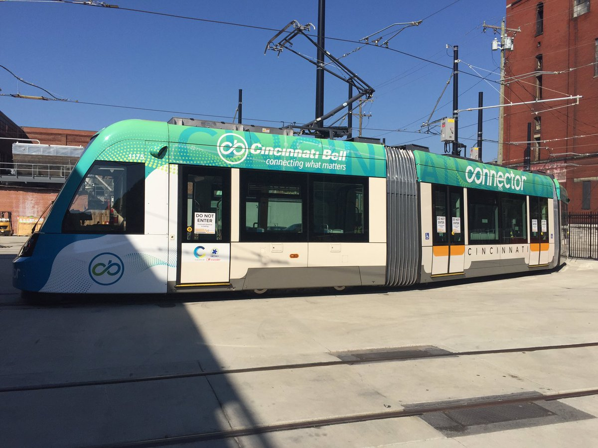 Say hello to the new Cincinnati Bell Connector! @CB_Connector #cincystreetcar https://t.co/nOMLKjpmfP