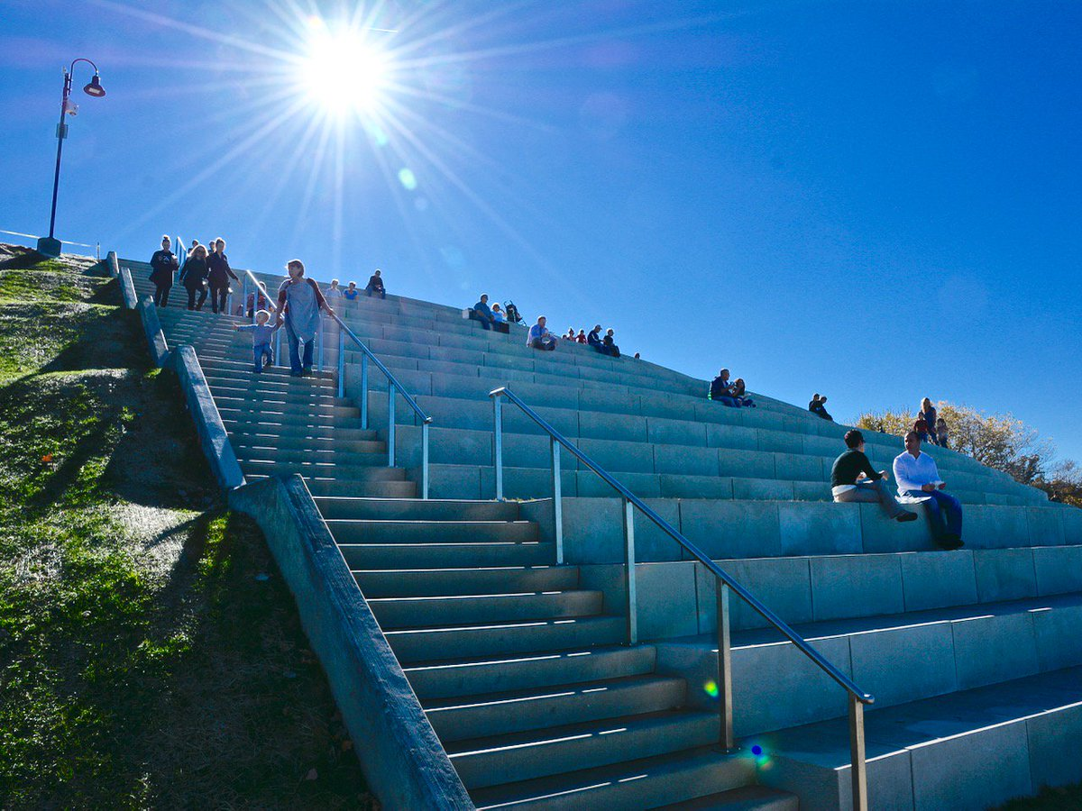 Now The Solstice Steps Can Be Your Office With Free Wi-Fi in Lakewood Park #1LKWD https://t.co/xgw3GqiZbX https://t.co/hkW4gm7MJm